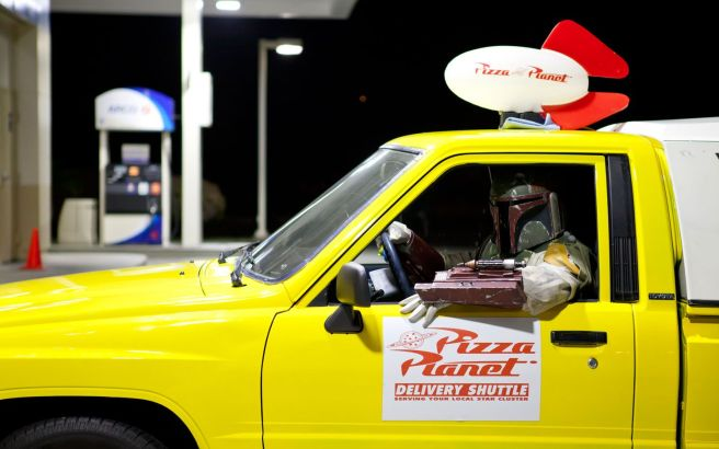 1988-toyota-pickup-pizza-planet-boba-fett