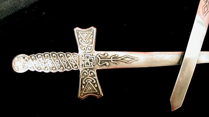 masonic_apron_swords.jpg
