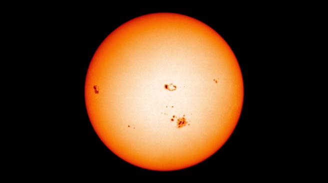 2_Sun_spots