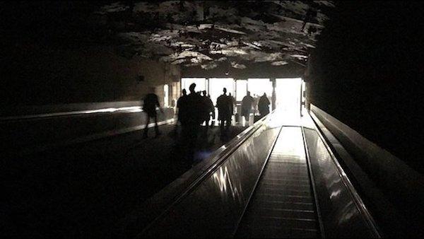 atlanta-airport-power-outage-wsb-tw-600