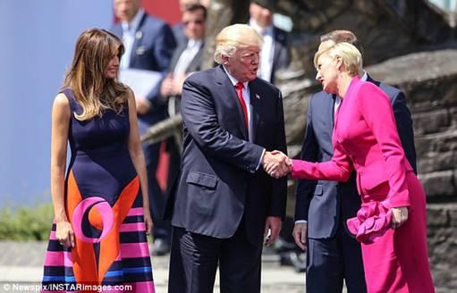 newsweek-polish-handshake_1516224132